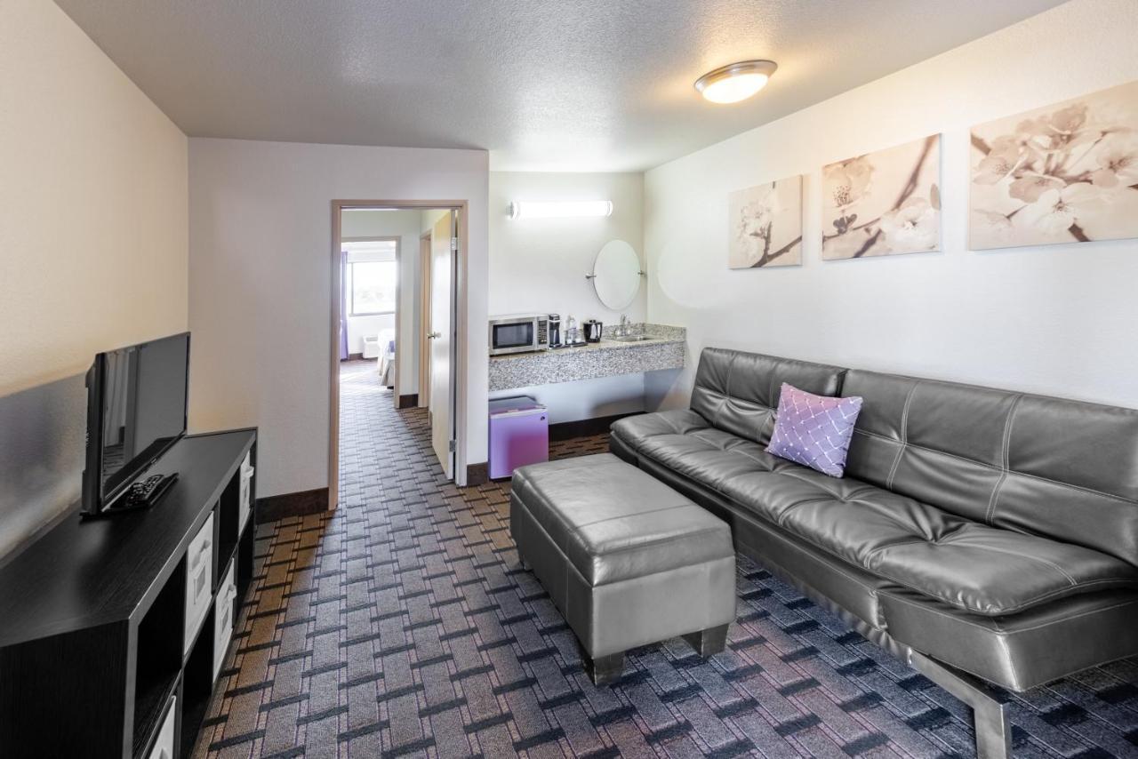 The Grand Canyon University Hotel Phoenix Az Booking Com