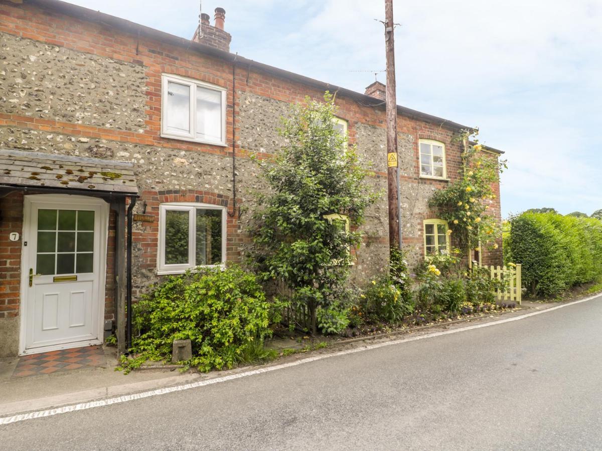 Дом для отпуска  Apple Tree Cottage, Blandford Forum
