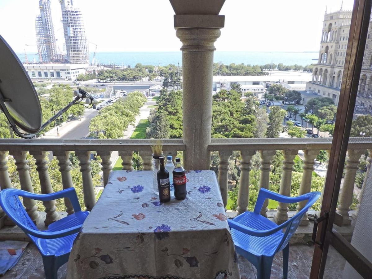 Апартаменты/квартира  Apartment On Gadzhibekova 33/35