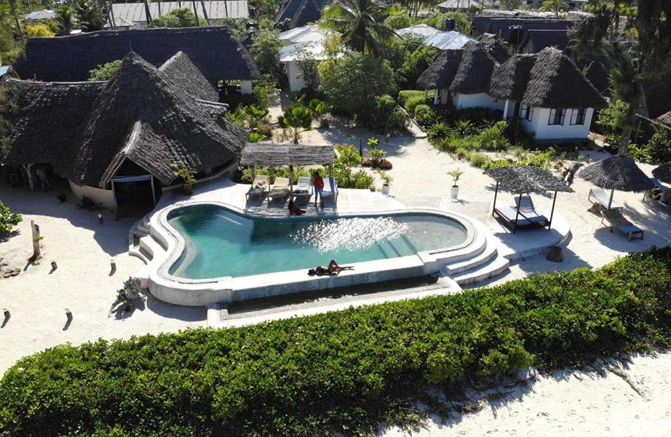 Отель Driftwood Beach Lodge