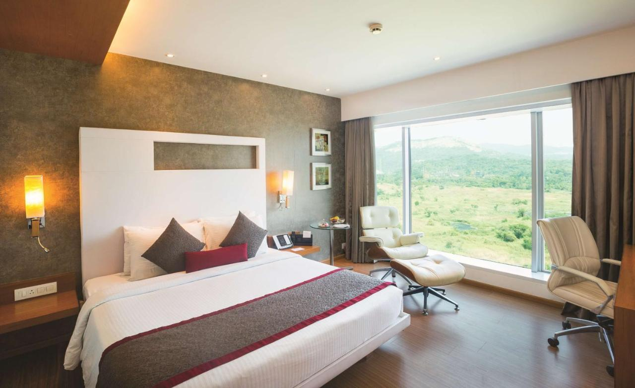 Отель  Отель  Country Inn & Suites By Radisson Navi Mumbai
