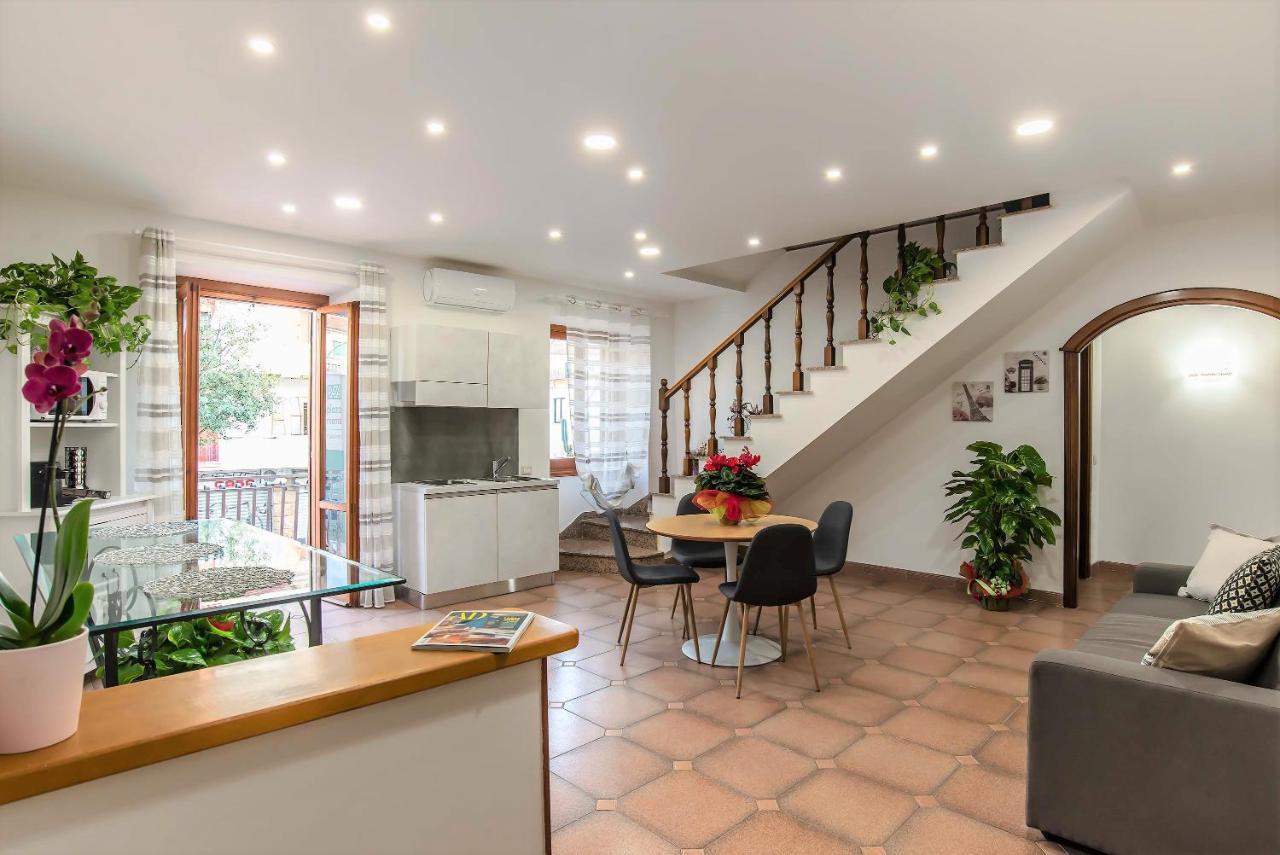 Гостевой дом  Plaza Rooms Ciampino