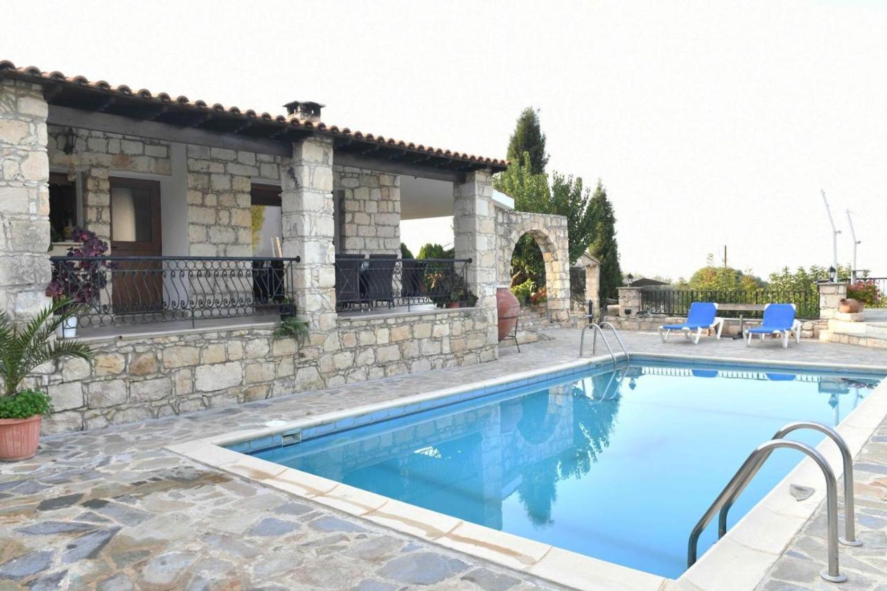 Вилла  Lasa Black Rock villa  - отзывы Booking