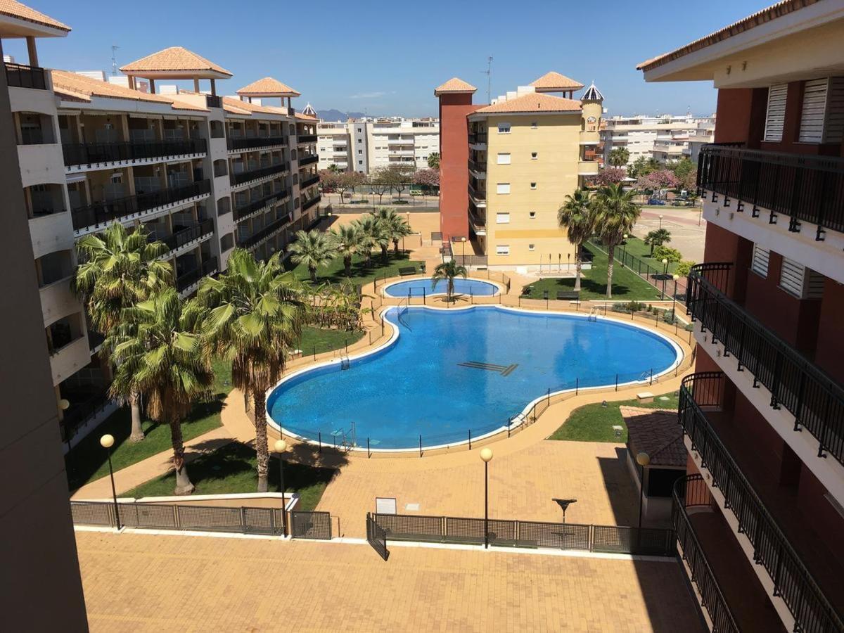 Апартаменты/квартира  Urbanización Mar de Canet, 2 dormitorios con piscina comunitaria, garaje y wifi  - отзывы Booking