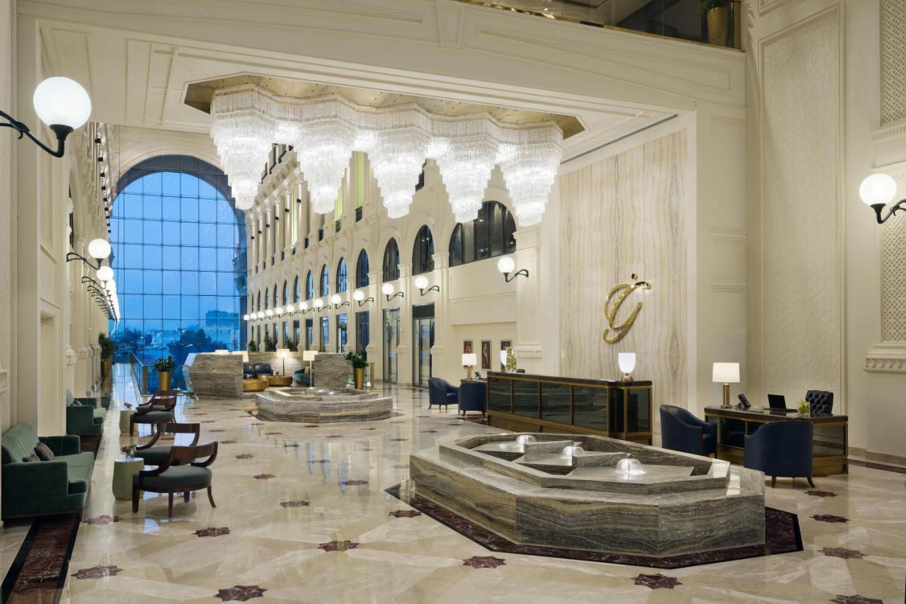 قاعة فندق اصيلة