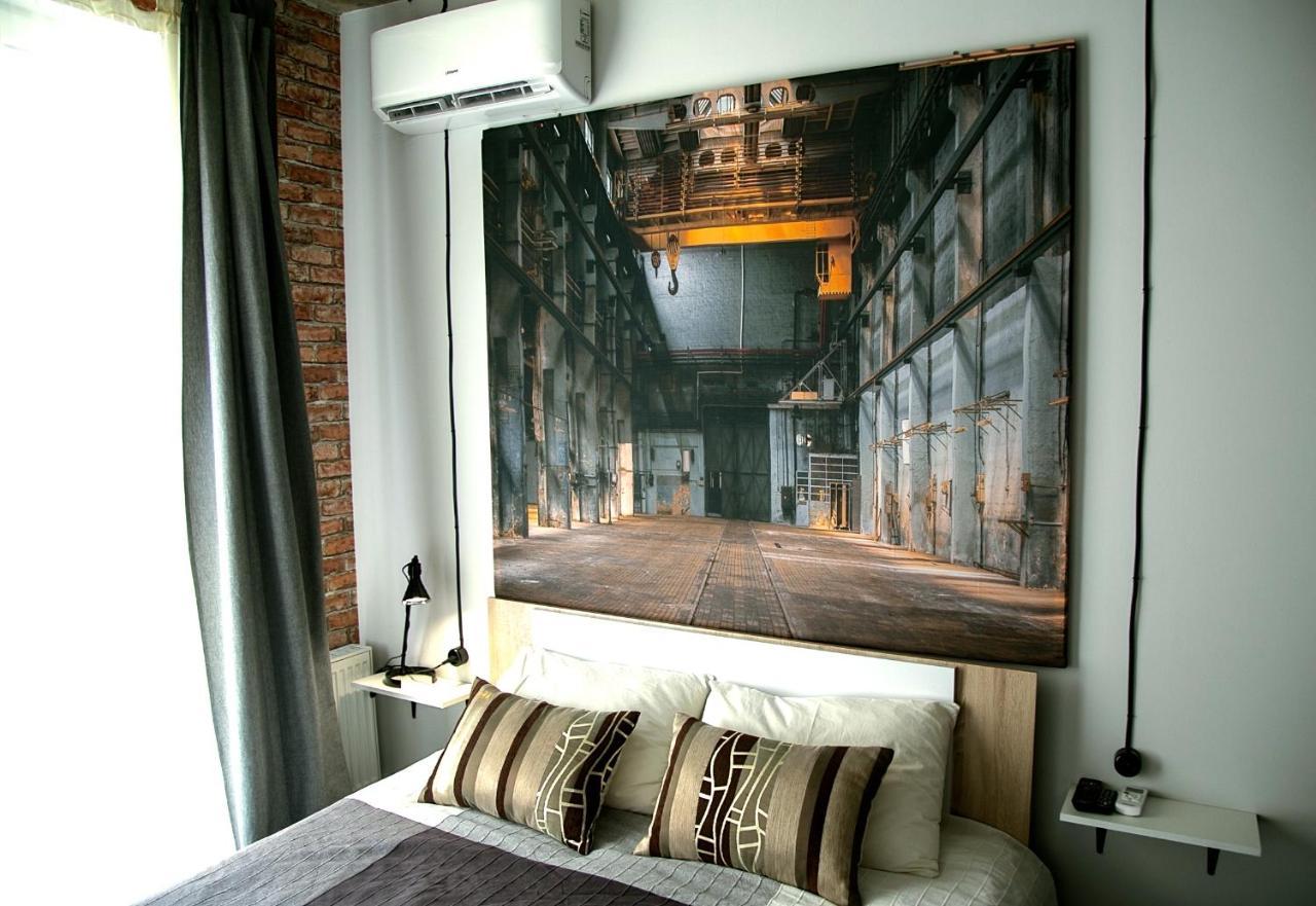 Апартаменты/квартира  Studio 2 · Стильная LOFT-студия #2, элитный дом Центр Города  - отзывы Booking