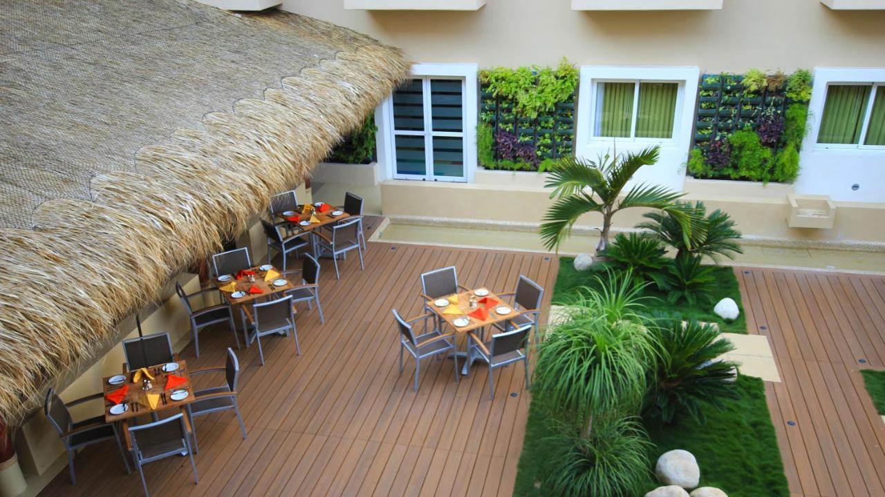 Курортный отель  Курортный отель  Holiday Inn Huatulco
