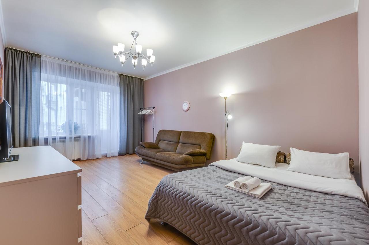 Апартаменты/квартира Apartments on ul. Savushkina 16 - отзывы Booking