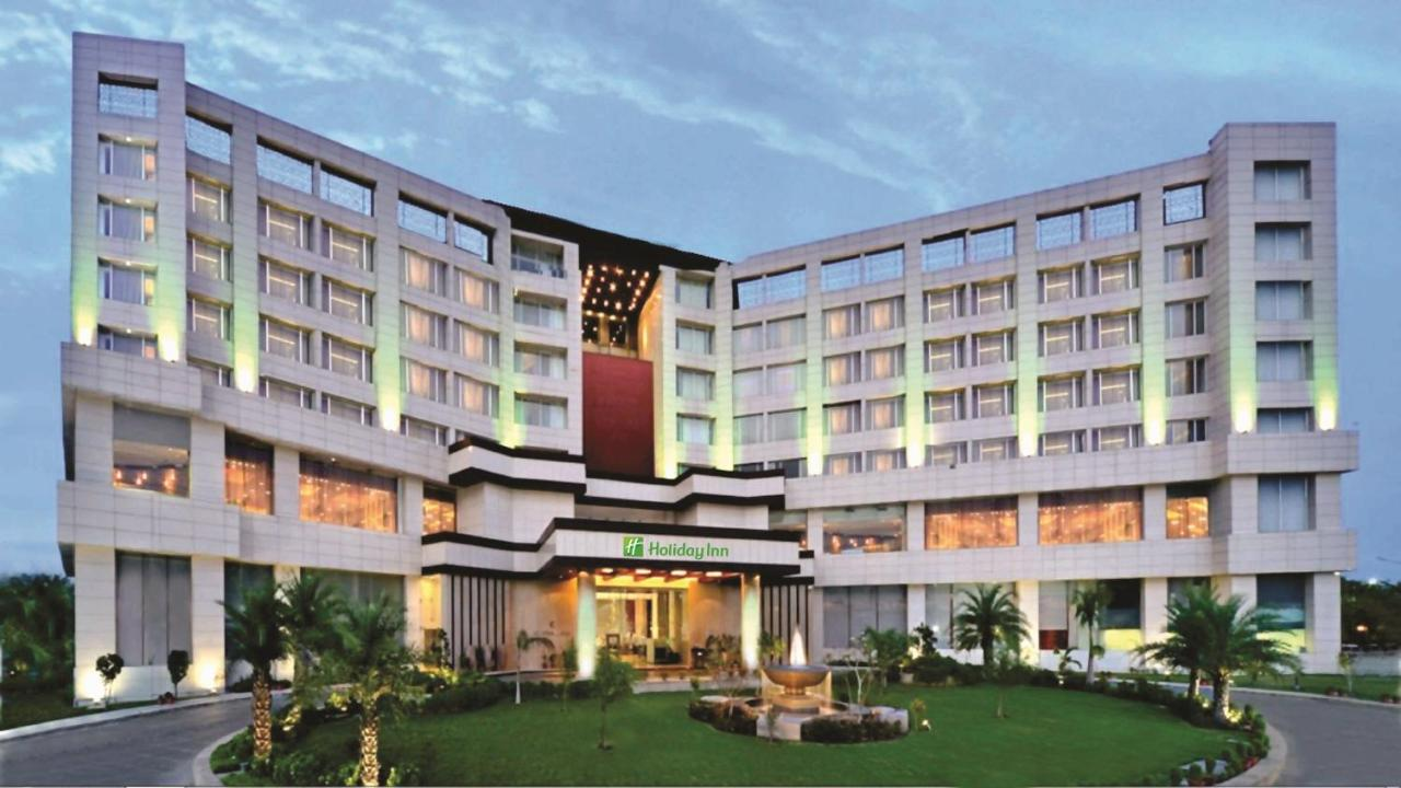 Отель  Holiday Inn Chandigarh Panchkula, an IHG Hotel  - отзывы Booking