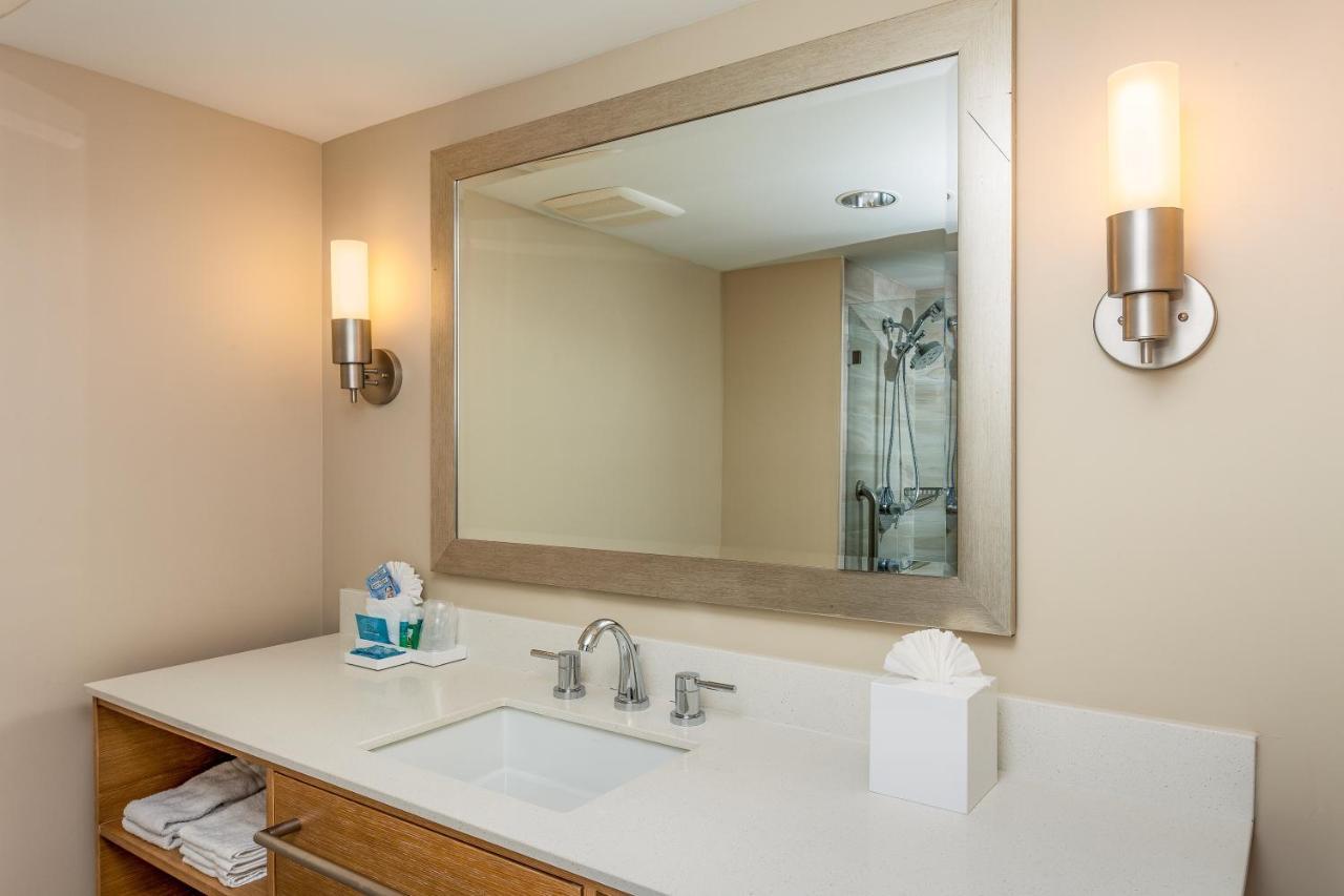 Курортный отель  Курортный отель  Holiday Inn Express And Suites La Jolla - Windansea Beach, And IHG Hotel