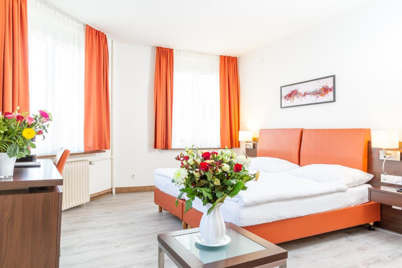 Отель  Отель  Hotel Rheinfelderhof
