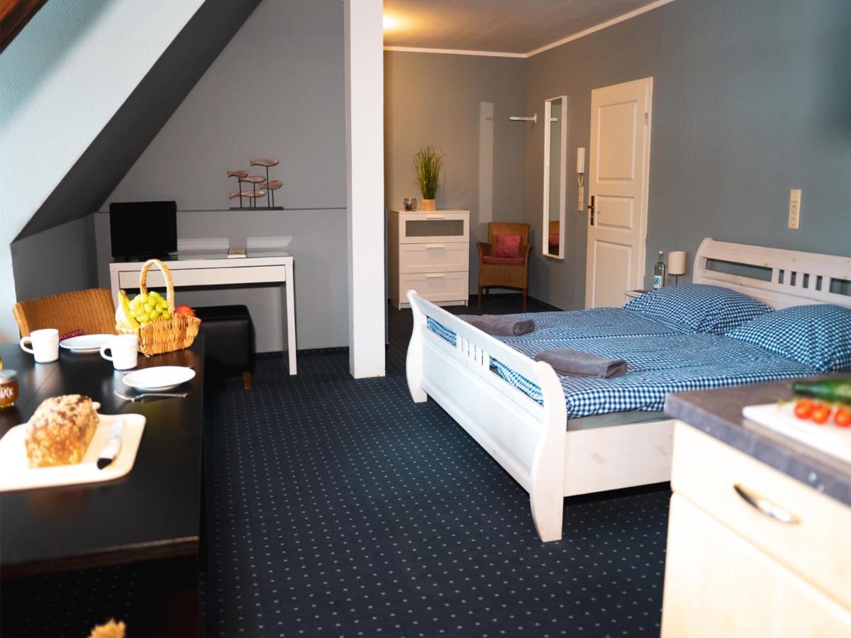 Фото  Отель  Bett4-you Pinneberg - Prisdorf