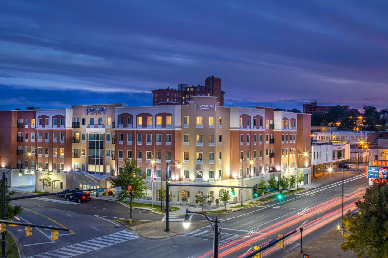 Отель  Staybridge Suites Montgomery - Downtown, an IHG hotel  - отзывы Booking