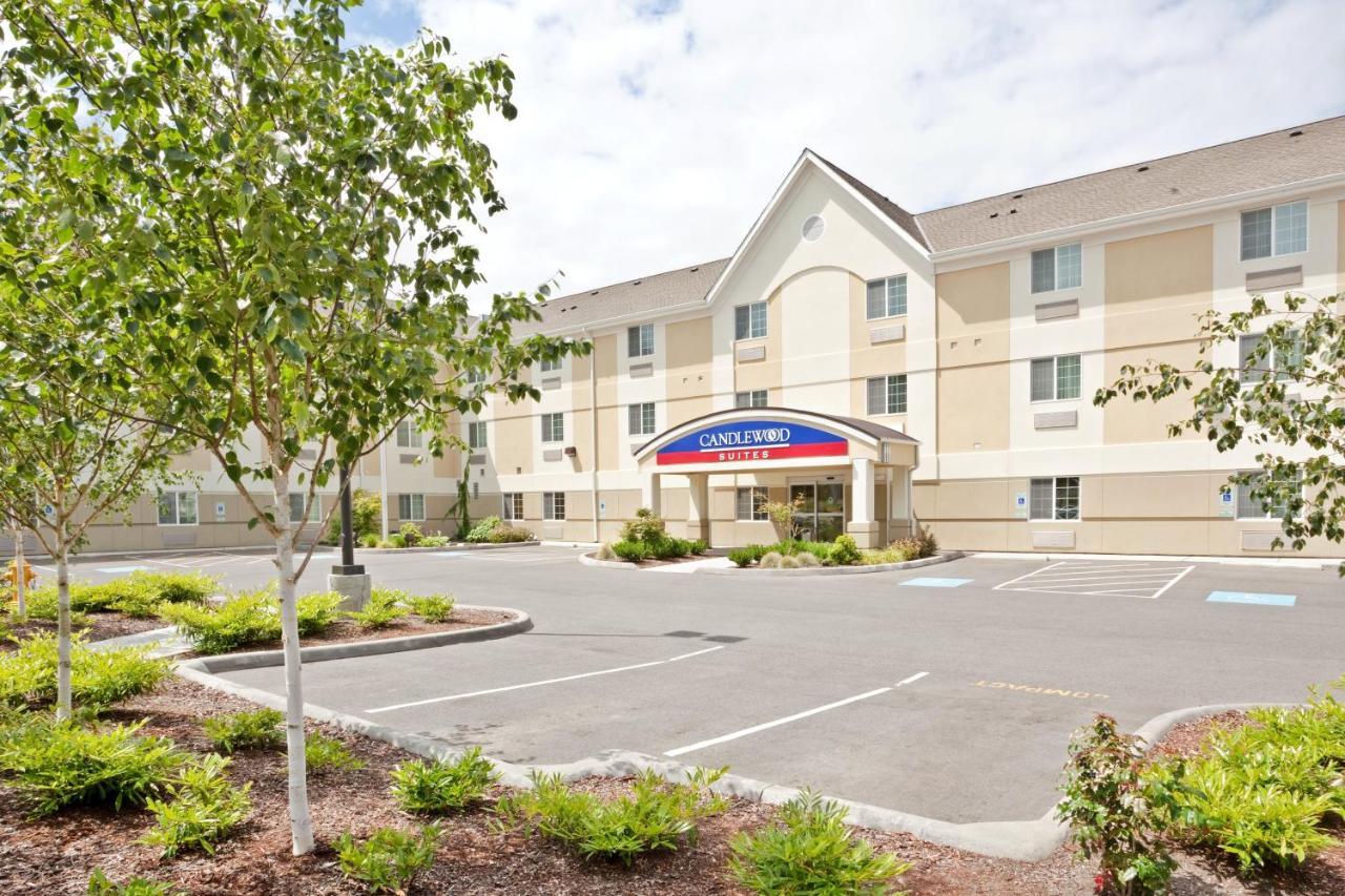 Отель  Candlewood Suites Oak Harbor, an IHG Hotel  - отзывы Booking