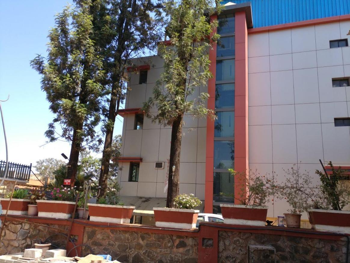 Hotel Rahil Plaza, Panchgani, India - Booking.com