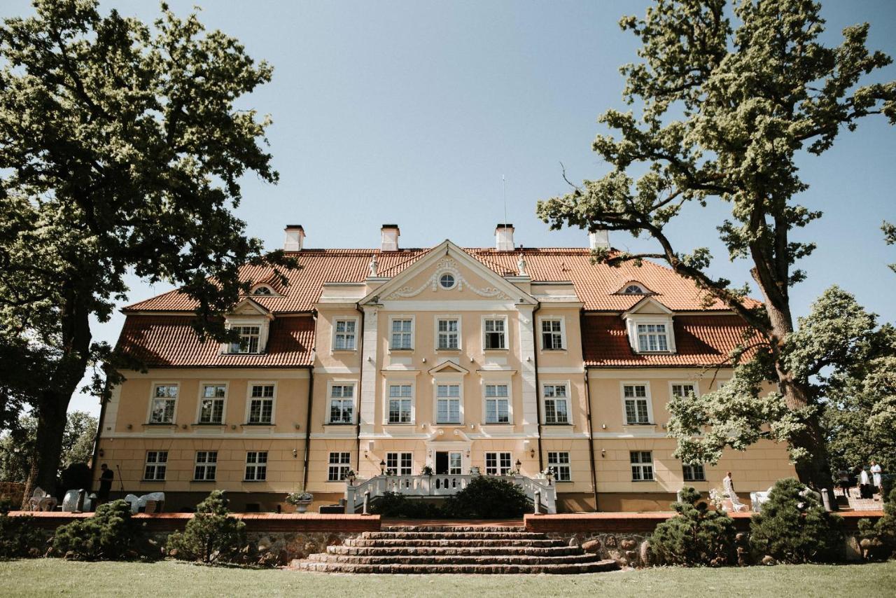 Malpils Manor