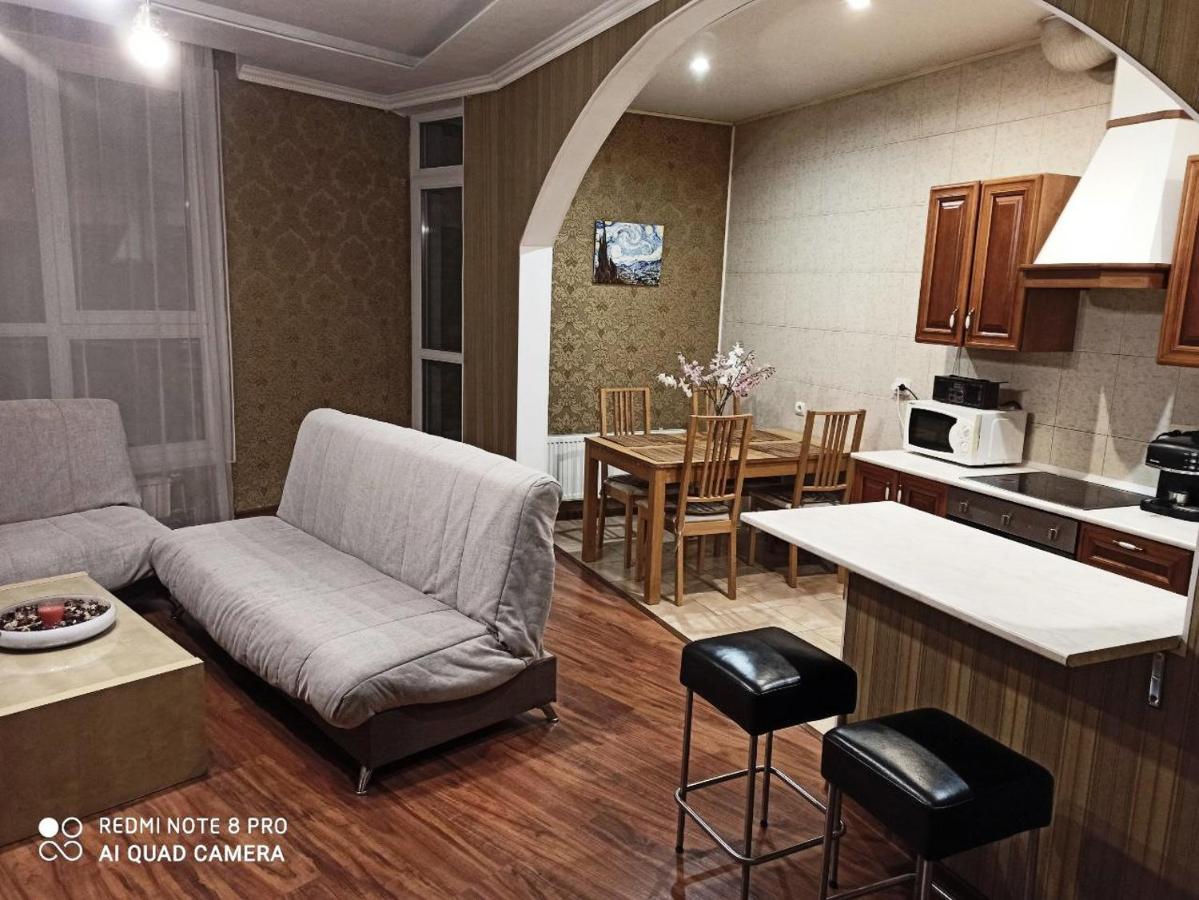 Апартаменты/квартира  У Биржевой площади и Стрелки Васильевского острова