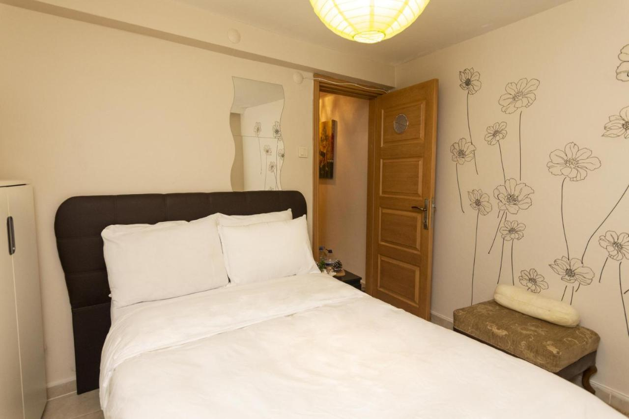 Апартаменты/квартира  1 BR Tiny House In Kadikoy With Easy Access