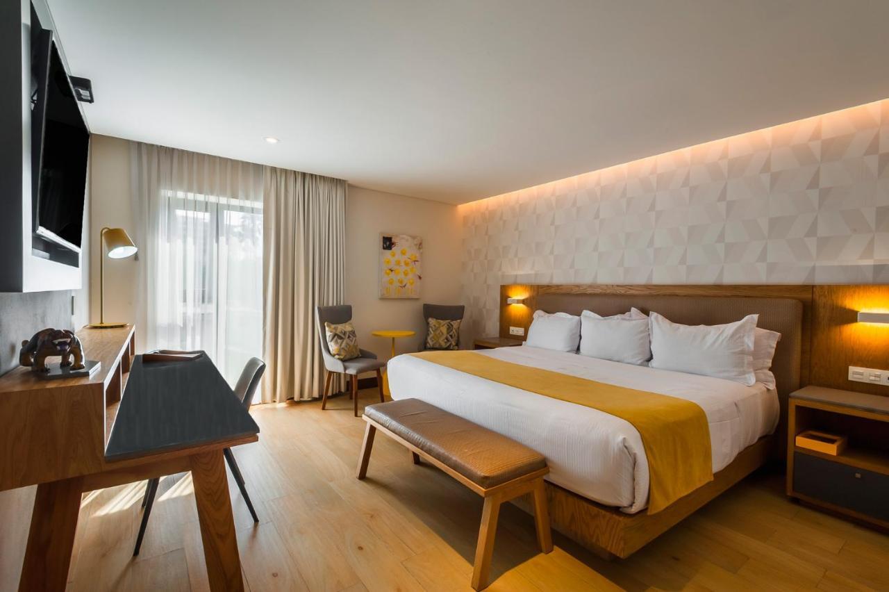 Отель  Отель  FCH Hotel Providencia - Exclusive For Adults