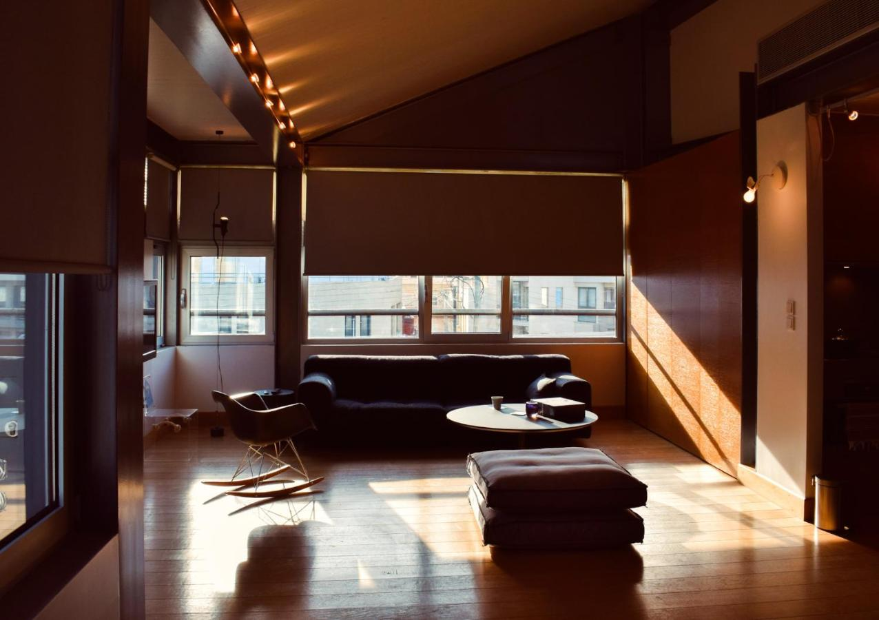 Апартаменты/квартира  T Loft Bright Loft Apartment  - отзывы Booking