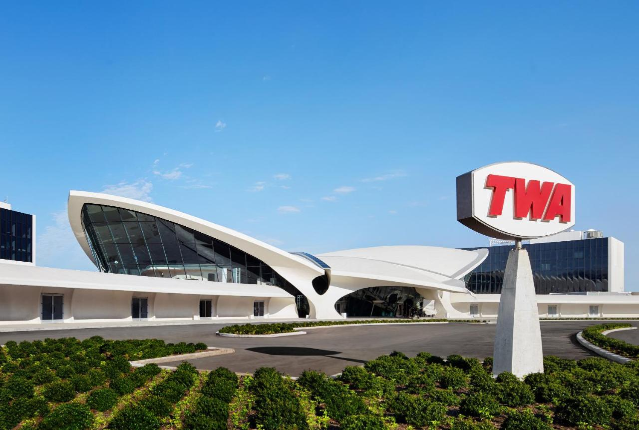 Отель  TWA Hotel At JFK Airport