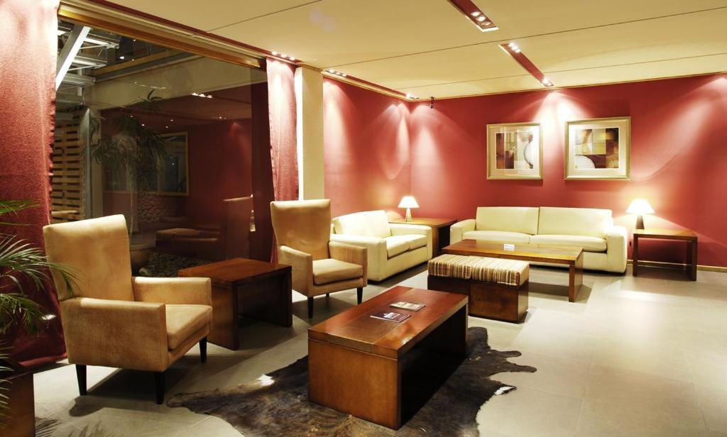 Отель  Hotel Barenia