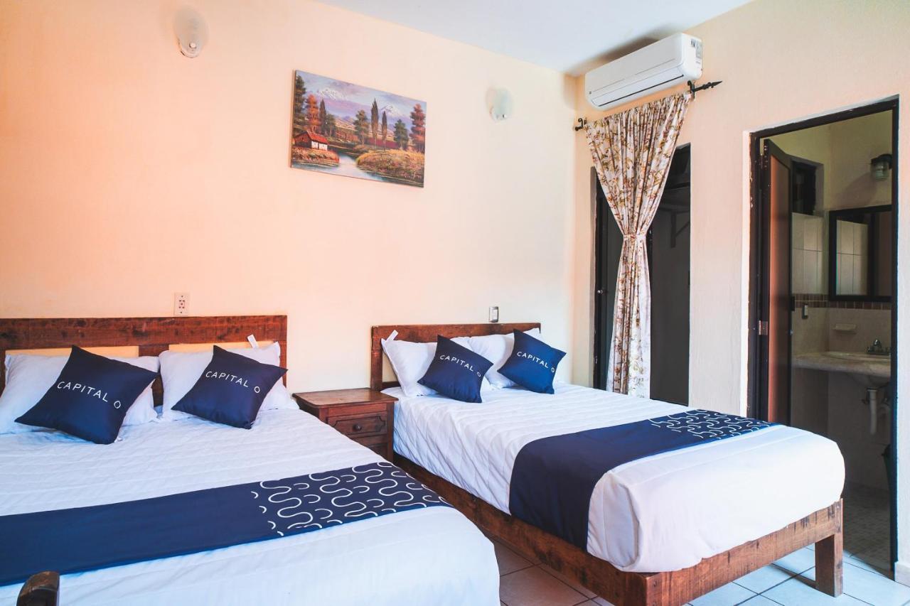 Отель  Capital O Hotel Aurora  - отзывы Booking