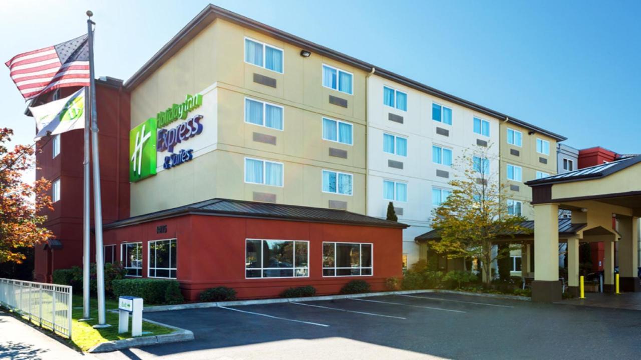 Отель  Отель  Holiday Inn Express Hotel & Suites North Seattle - Shoreline, An IHG Hotel