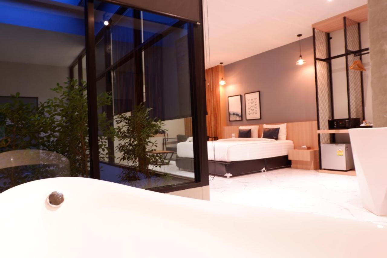 Курортный отель  Курортный отель  Chill D Resort Buriram