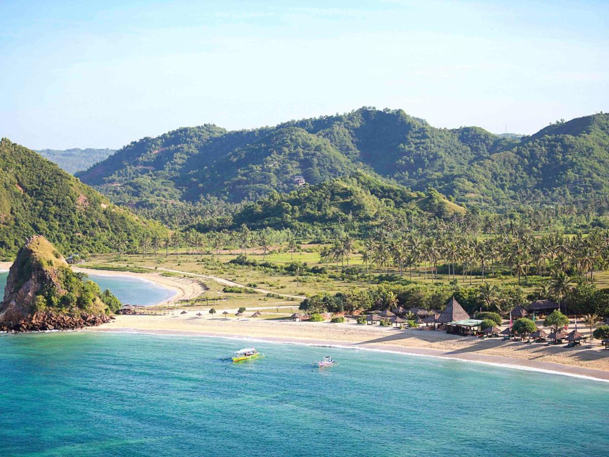 Отель  Novotel Lombok Resort & Villas