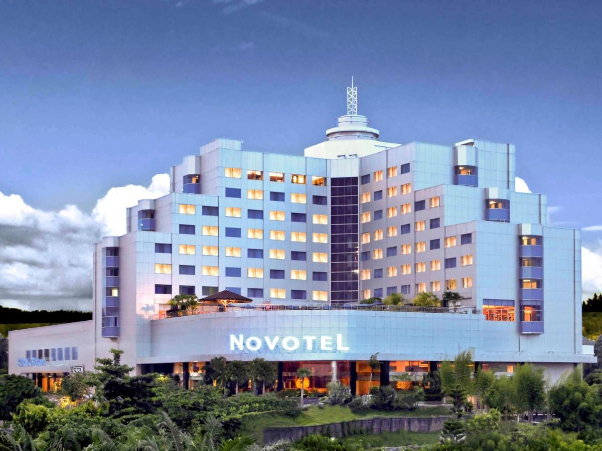 Отель  Отель  Novotel Balikpapan