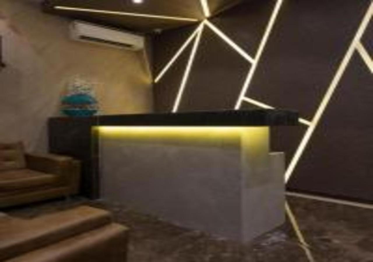 Отель  Hotel Meriton  - отзывы Booking