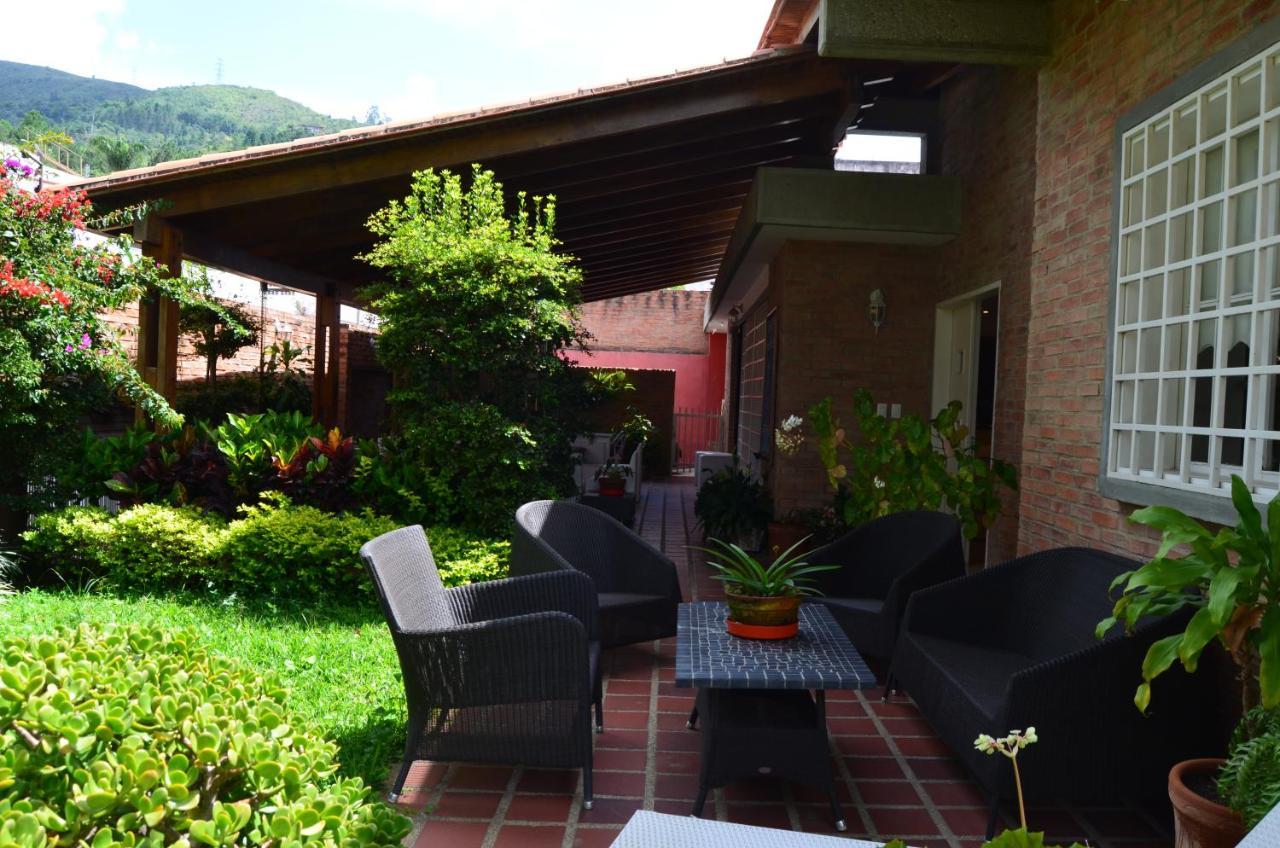 Дома для отпуска  Chalet, Clima Y Tranquilidad De Montaña En Caracas