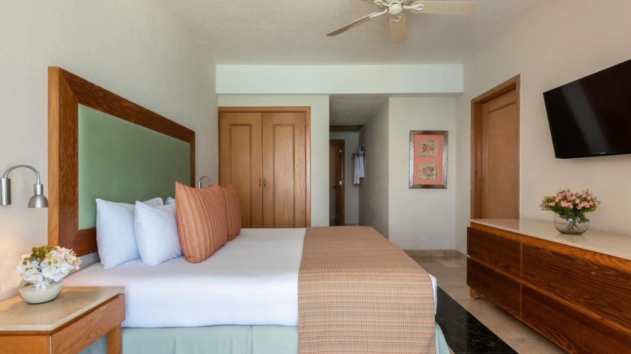 Курортный отель  Курортный отель  Grand Park Royal Cancún