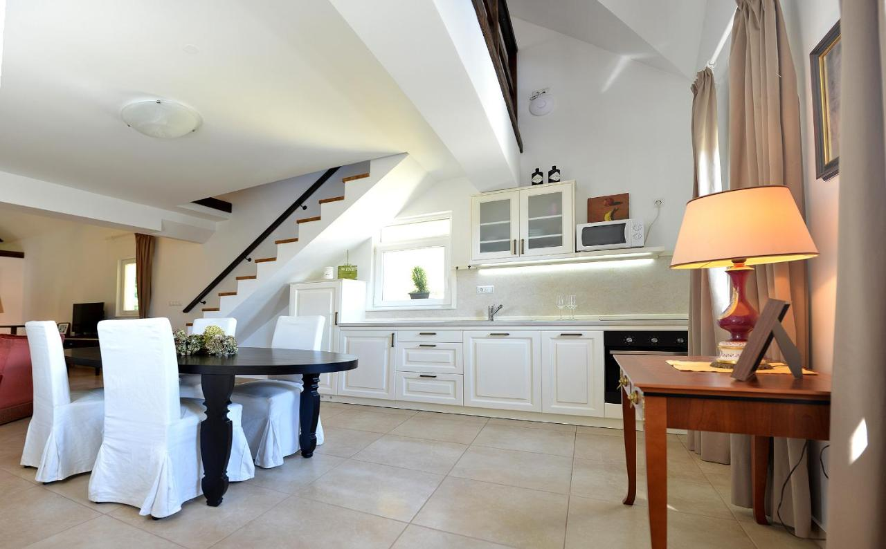 Апартаменты/квартиры  Effie Perine Apartments  - отзывы Booking