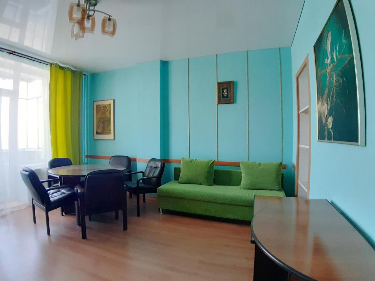 Апартаменты/квартира  3х комнатные апартаменты на ул.Красная, 48
