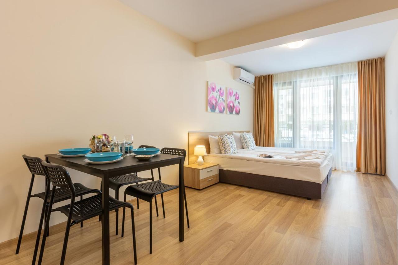 Апартаменты/квартиры  Apartments Flora