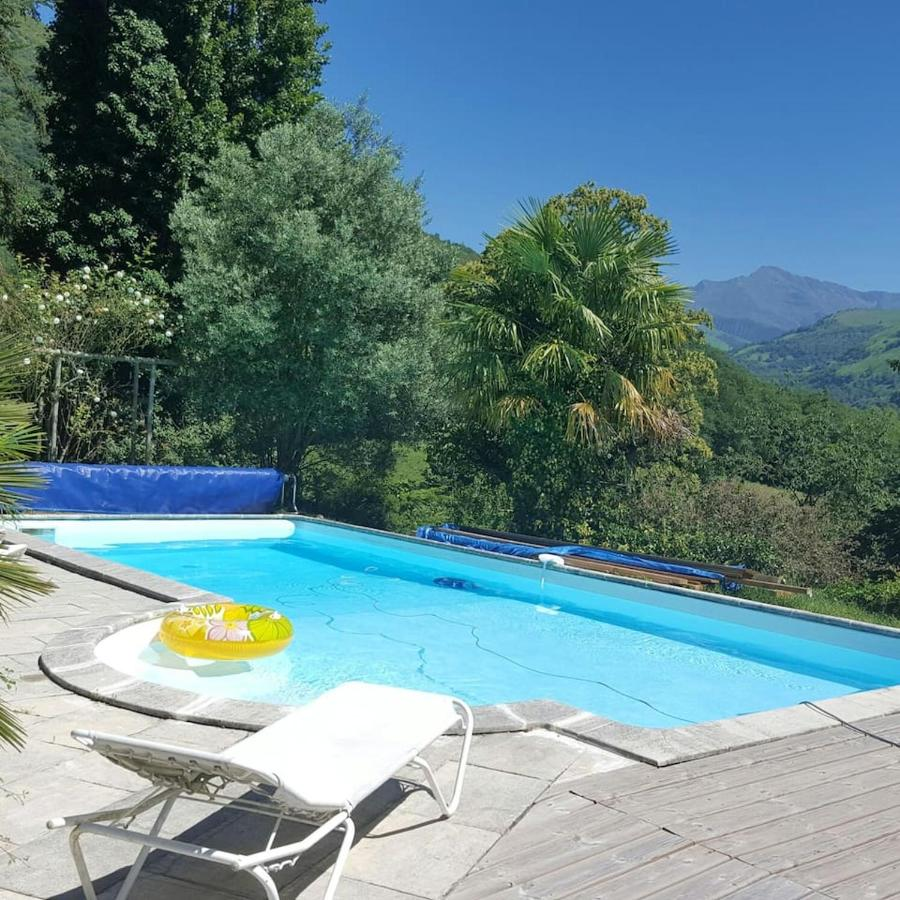 Вилла  Villa With 3 Bedrooms In Aspin-en-Lavedan, With Wonderful Mountain View, Private Pool, Enclosed Garden - 38 Km From The Slopes