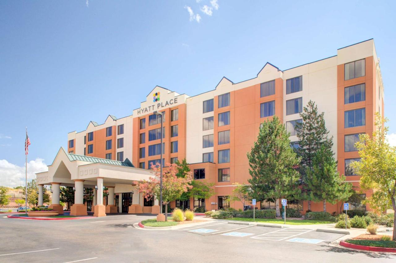 Отель  Отель  Hyatt Place Albuquerque Airport