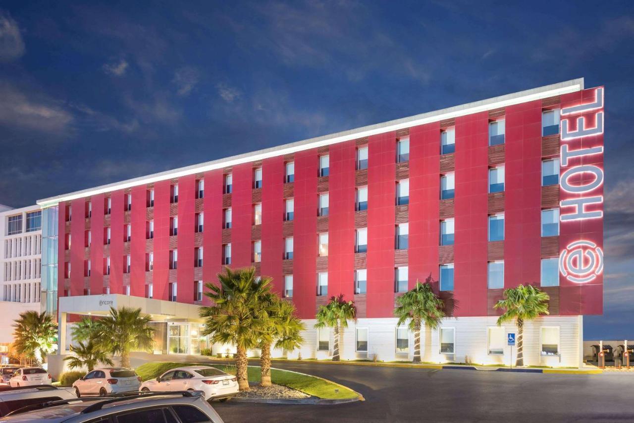 Отель  Отель  Ramada Encore By Wyndham Chihuahua
