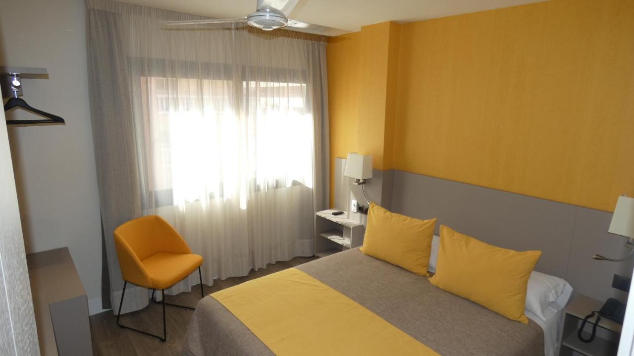 Отель  Отель  Hotel Zeus
