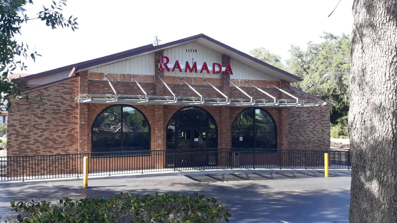 Отель  Ramada By Wyndham Temple Terrace/Tampa North