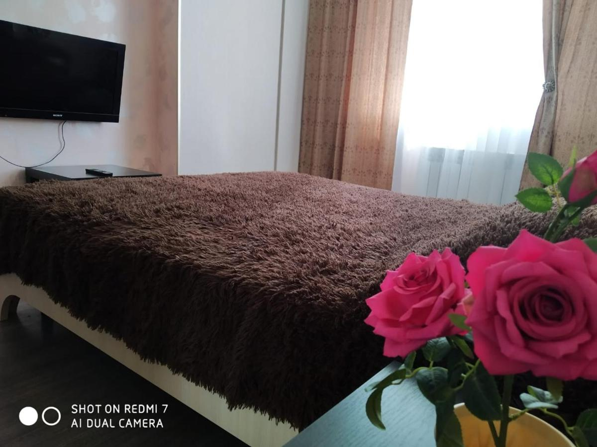 Фото  Апартаменты/квартира  Apartment On Komarova 14