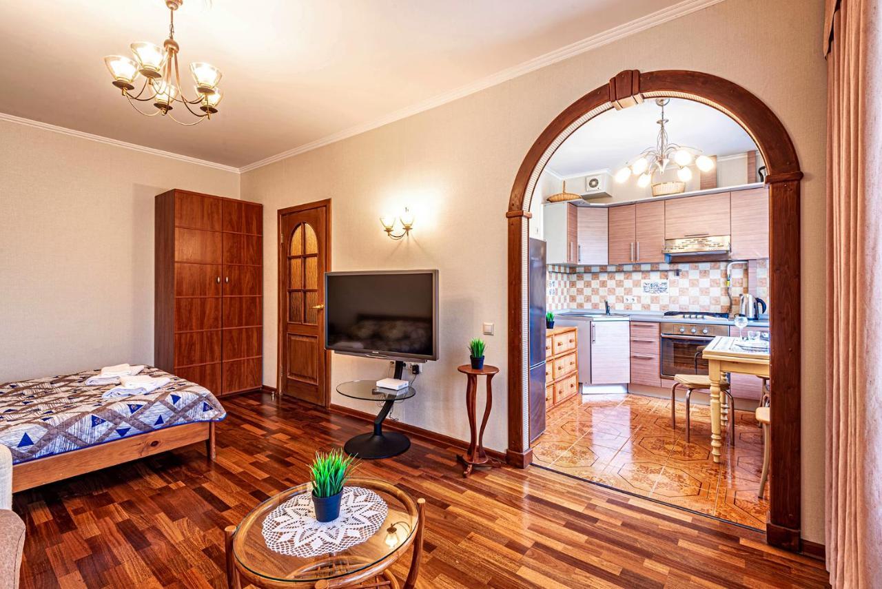 Апартаменты/квартира  Апартаменты на Бориса Галушкина (метро ВДНХ)  - отзывы Booking