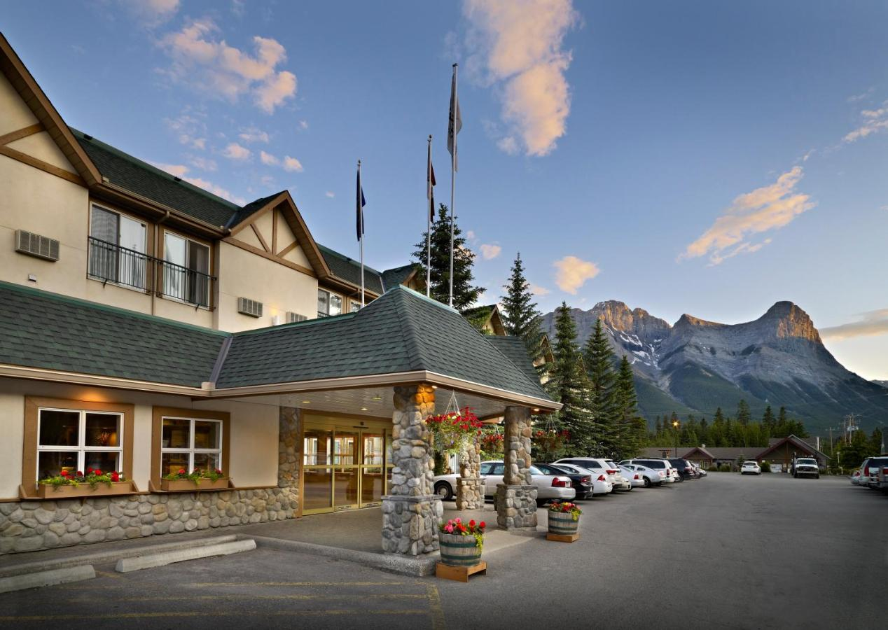 Отель  Coast Canmore Hotel & Conference Centre  - отзывы Booking