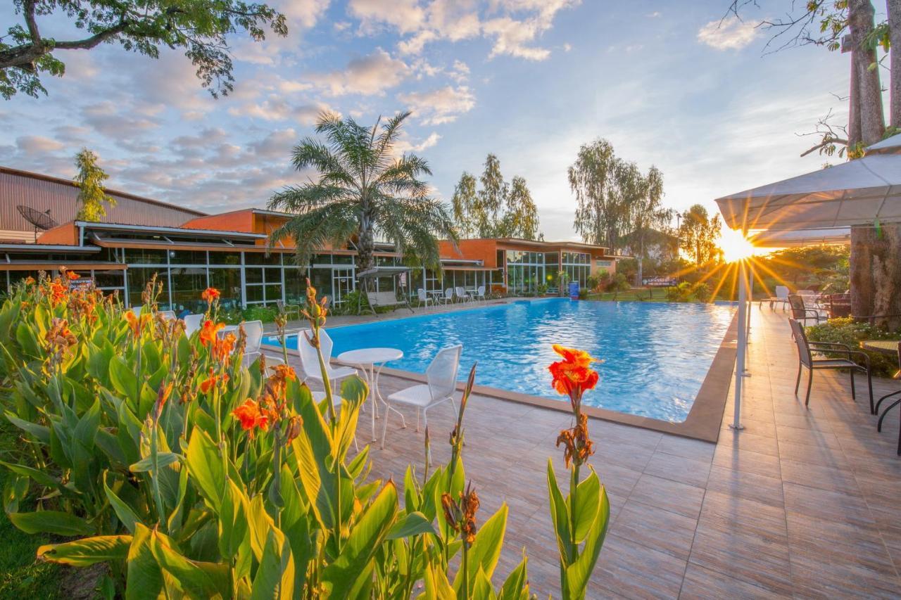 Отель  Baan Suan Khun Ta and Golf Resort  - отзывы Booking