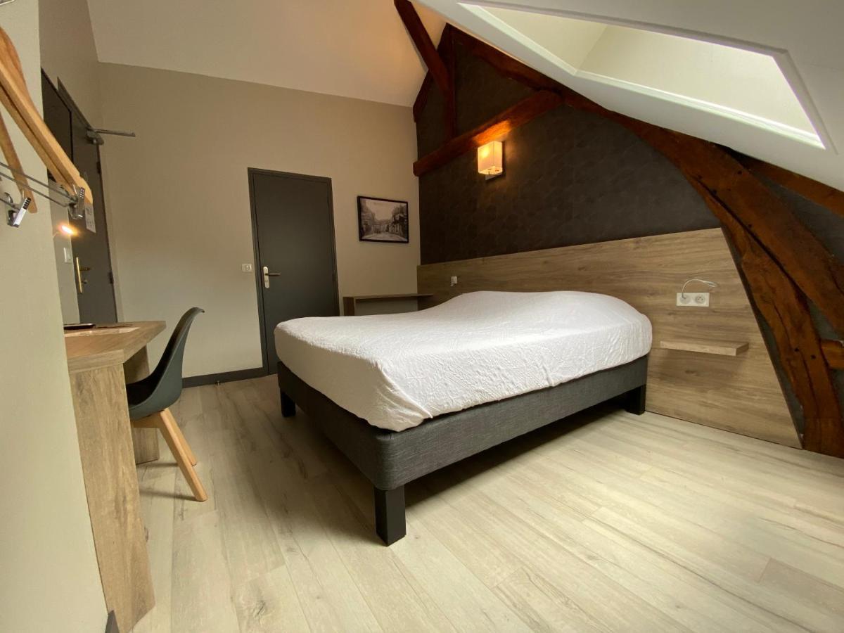 Отель  Hôtel Saint Nicolas