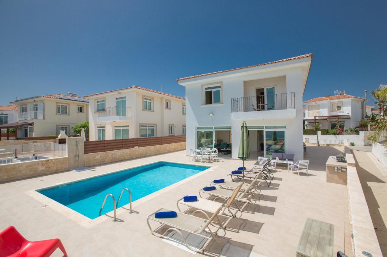 Дом для отпуска  Shaye Front Line Villa  - отзывы Booking