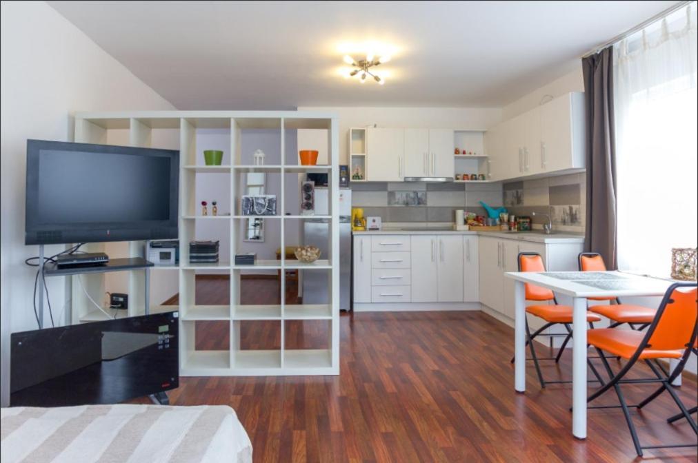 Апартаменты/квартира  Studio apartment toward de airport  - отзывы Booking