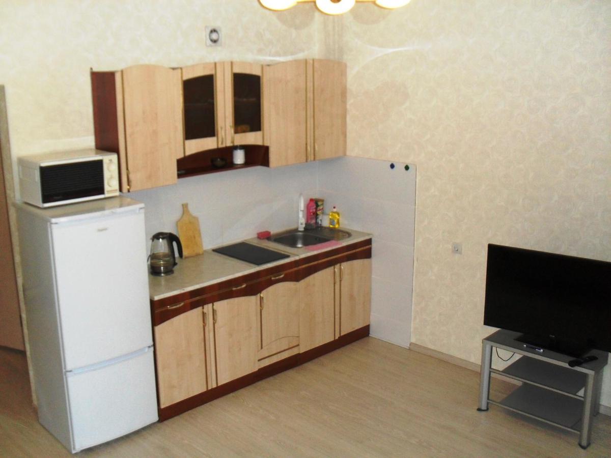 Апартаменты/квартира  1 комнатная квартира Шилова 43